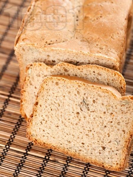 Пълнозърнест хляб за хлебопекарна с ядки - снимка на рецептата